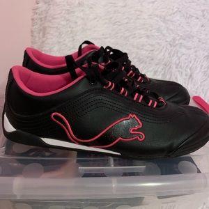 Like new Women's Puma shoes